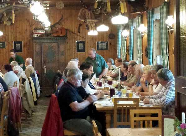 Strosseggwirt Ausflugsziel am Murradweg Naturpark Almenland Traditionell Steirische Küche