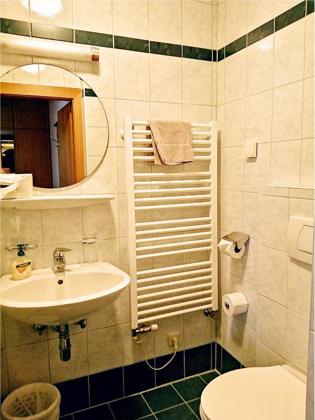 Gasthof Metzgerstub'n Gastgeber am Murradweg R2 Unterkuenfte Badezimmer