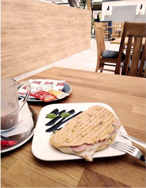 Cafe-Liesingthal-St.-Michael-in-Obersteiermark-Gastgeber-am-Murradweg-R2 -Tost