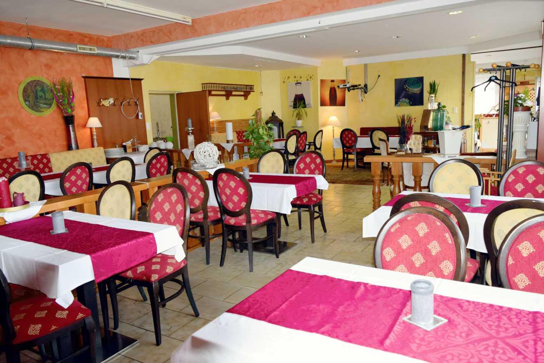 Gasthaus-Cafe-Raststation-Erikas-Stueberl-Mureck Saal