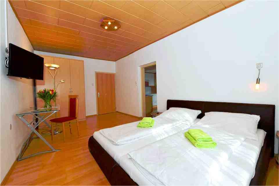 Wirtshaus Farrach Zeltweg Gastgeber am Murradweg R2 Doppelzimmer 3