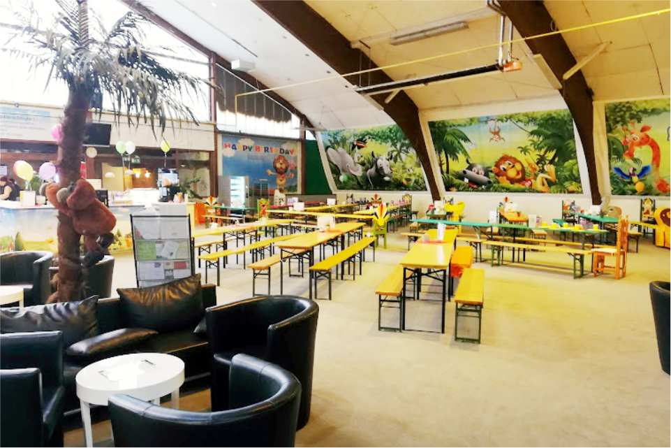 Leopark indoorspielplatz St Michael in Obersteirmark Gastgeber am Murradweg Restaurant
