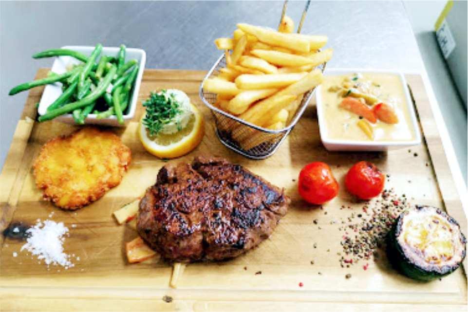 Trend Lokal Rooms Bar Frohnleiten Gaststaette am Murradweg R2 Steak