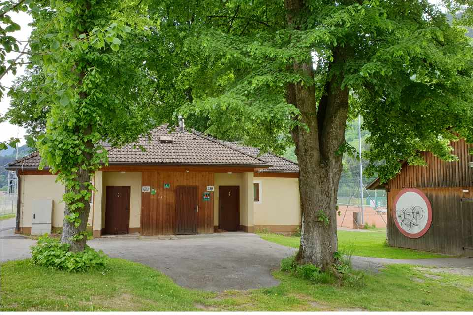Raddoerfl-Campingplatz-Teufenbach-Murau-Eigang-Gastgeber-am-Murradweg