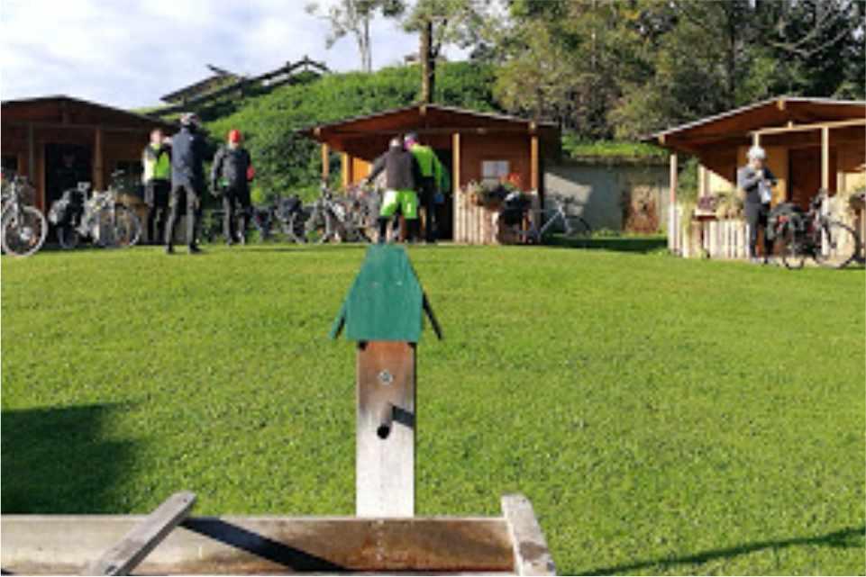Raddoerfl-Campingplatz-Teufenbach-Murau-Innen-Gastgeber-am-Murradweg