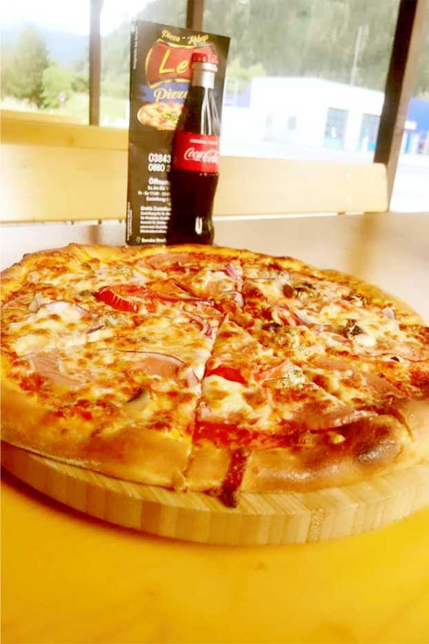 Pizza essen in St Michael in Obersteiermark Leo Pizzeria